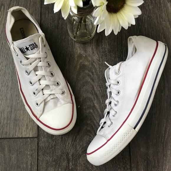 01dfa1dee79 Converse Chuck Taylor unisex white sneakers